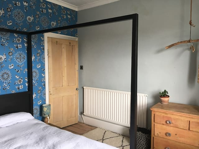 Double room in lovely part of conservation area