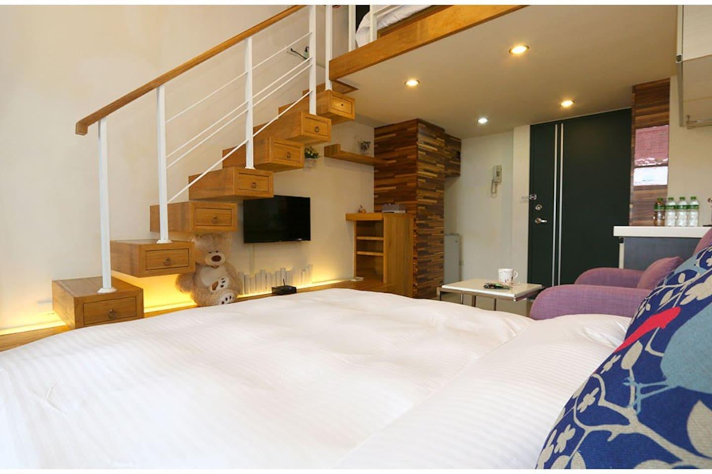 客廳及雙人床