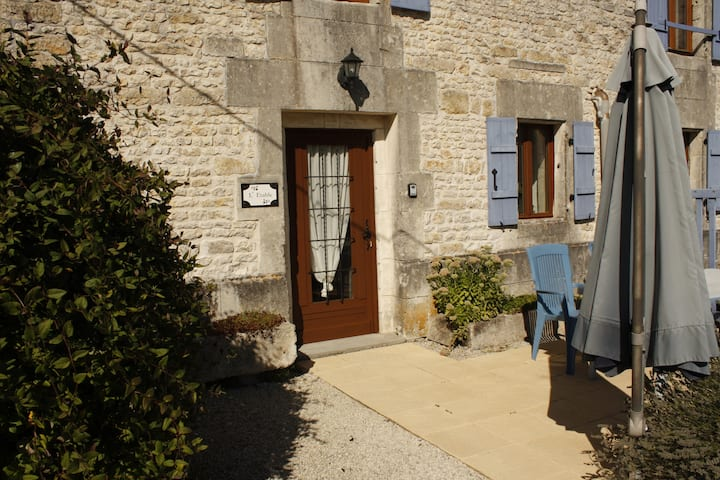 L'Etable (18th Century converted former Stables)