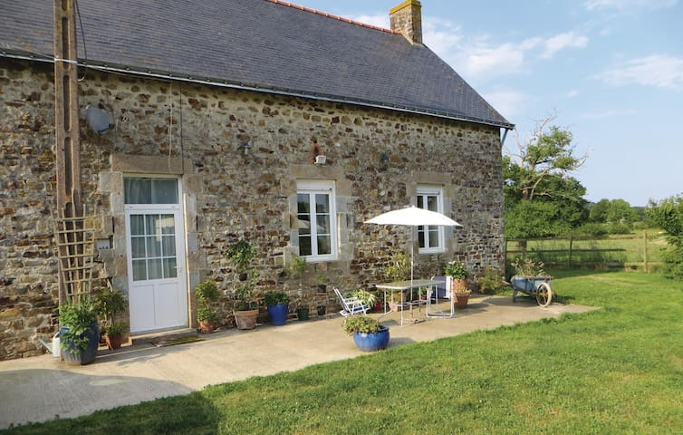 Holiday cottage with 3 bedrooms on 120m² in La Rouaudiere