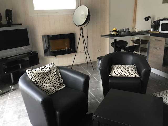 New fully furnished bungalow