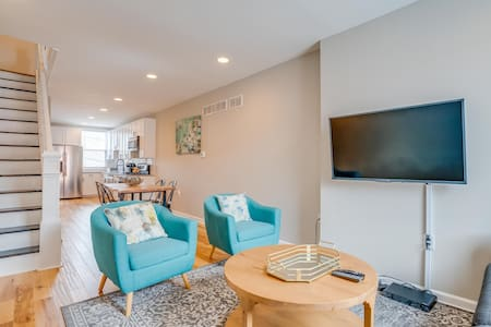 4 Blocks from Johns Hopkins-2 Beds / 2.5 Baths