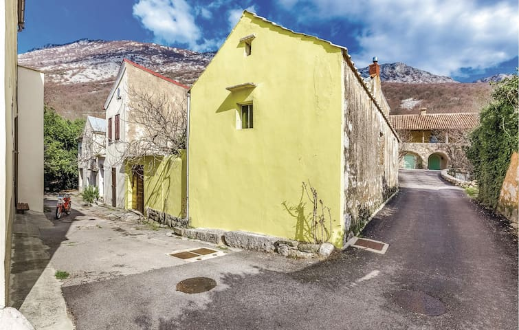 Semi-Detached with 3 bedrooms on 95 m² in Tribalj