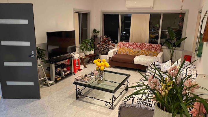 Peaceful room close to Macquarie centre &Eastwood