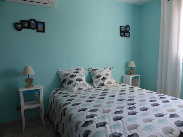 Chambre 2 : 1 lit double 160*200cm