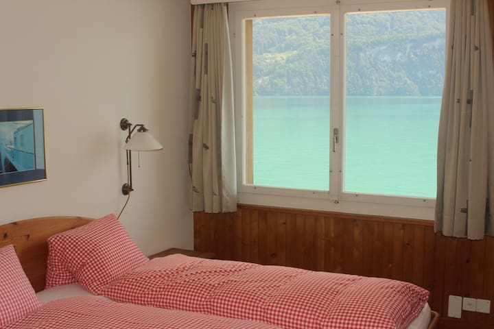 Lakefront Apartment Brienzersee - Brienz - Apartotel