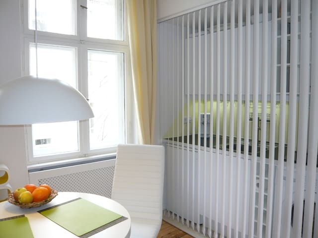 2 room stylish near Mauerpark  WLAN