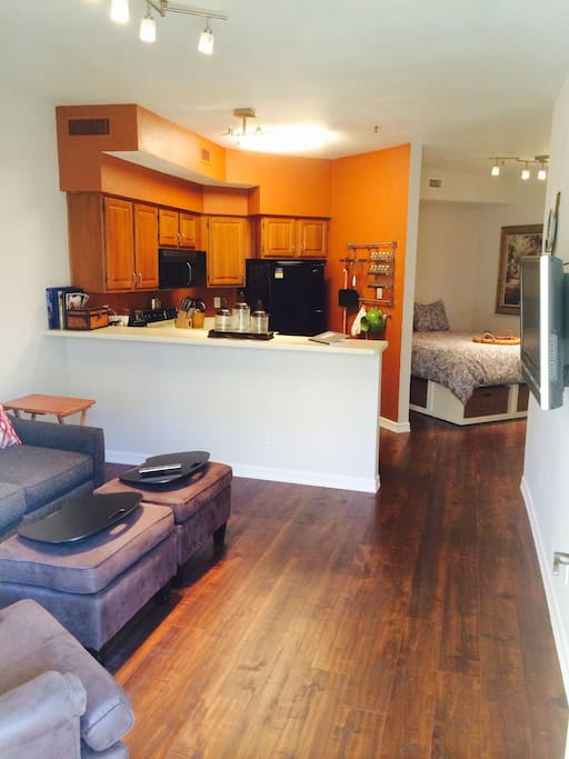9500 Miramar Rd: Apartments For Rent In