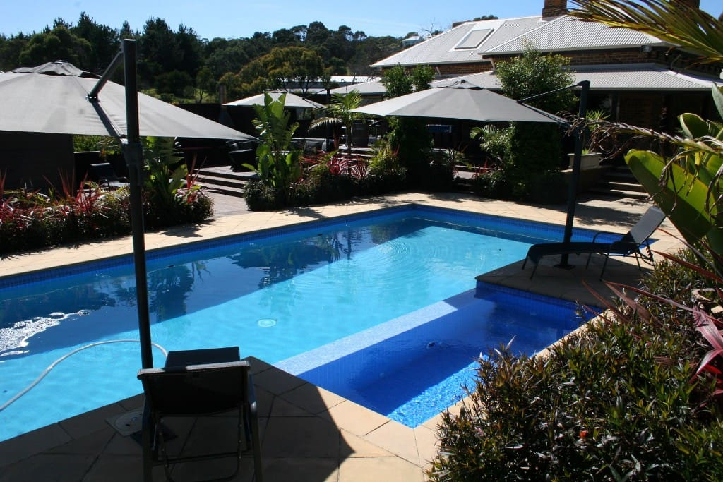 The mount martha resort houses for rent in mt martha for Pool show on foxtel