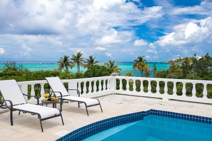 ON Shoal Bay- 2 Bedroom Private Villa Oceanfront with Giant pool!