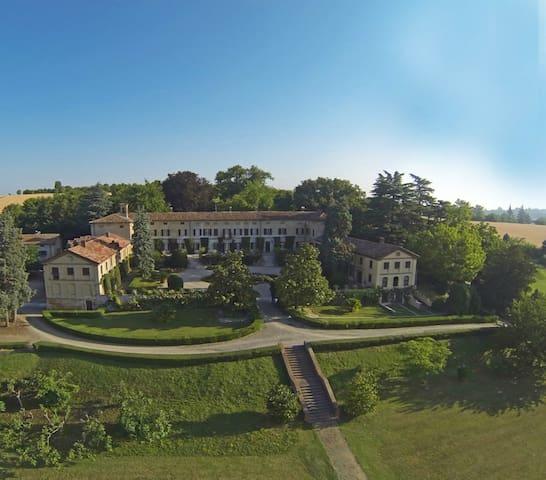 Piedmont/Lombardy-Piemonte/Lombardia La Voglina ,