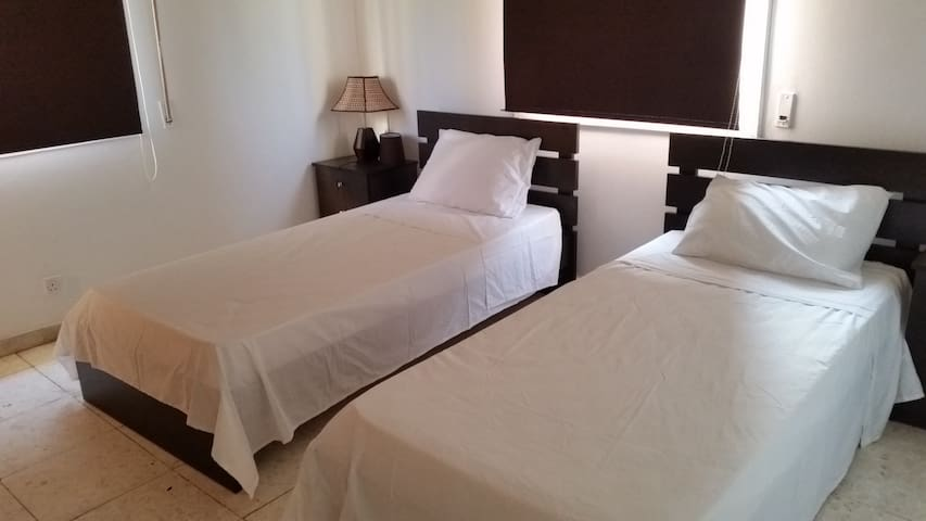 First floor room - two single beds - Larnaca - House