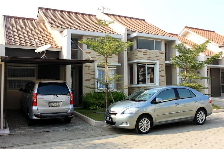 Acomodation in West Bandung - Bandung Barat - บ้าน