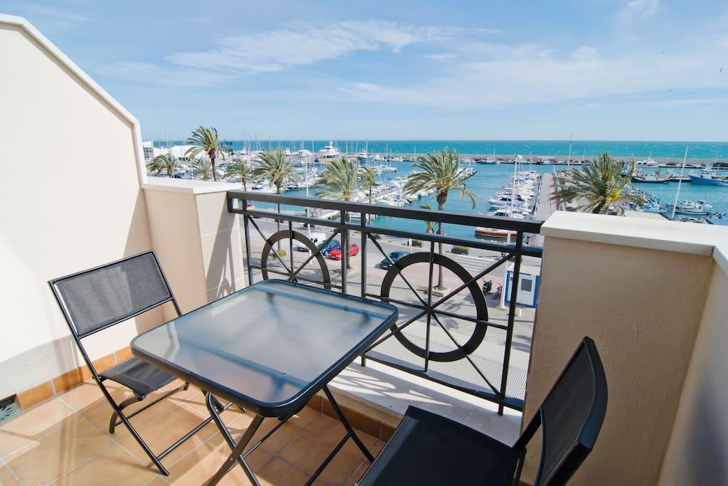 Atico preciosas vistas al puerto apartments for rent in - Sofas velez malaga ...