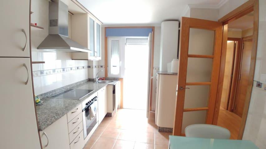 Céntrico apartamento en Sada a 50m de la playa.