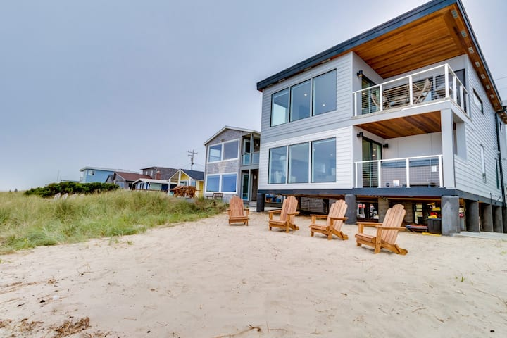 New, dog-friendly beachfront house with private hot tub & incredible views!
