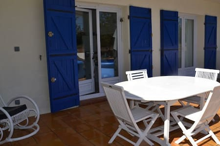 Maison en Provence 6-8  pers  - Cuges-les-Pins