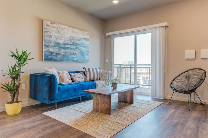 NEWLY BUILT | CLEAN | UPSCALE | MINS TO SFO & DT