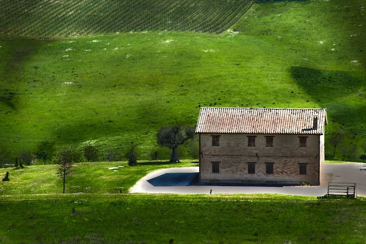 traditional brick farmhouse - Macerata - 一軒家