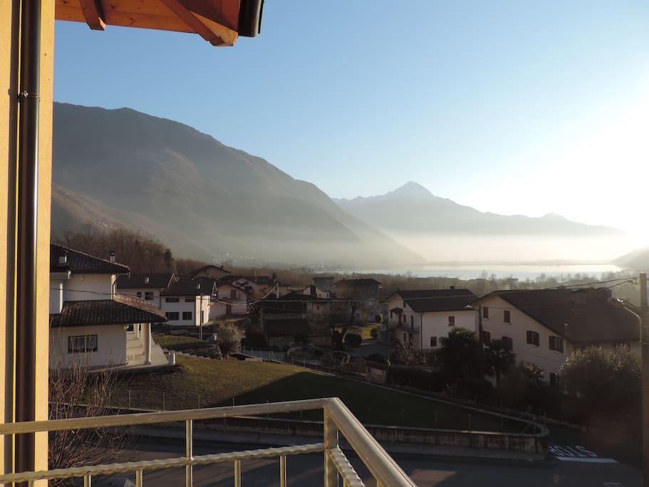 Il Lago di Mezzola e il Lago di Como