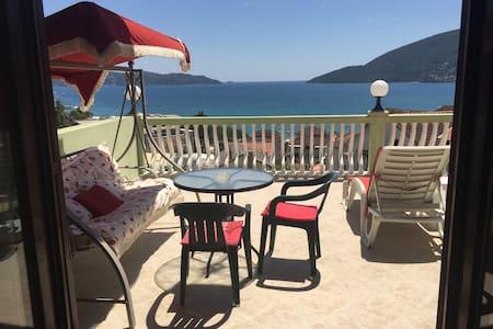 Luxury Sea View Studio Apt # 4
