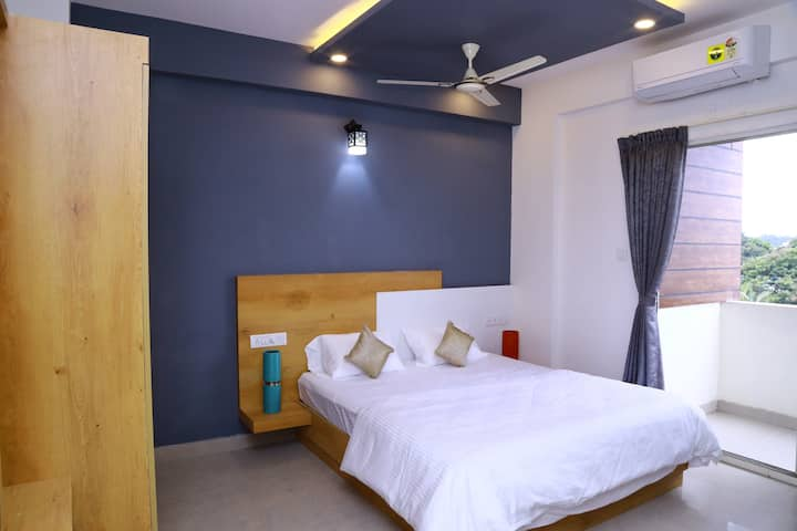 OAKHAVEN - ATTACHED  ROOM in 3bhk-BTM 2ND STAGE