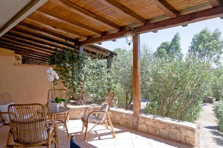 Convenient just steps from beach - Nodu Pianu, Olbia - House
