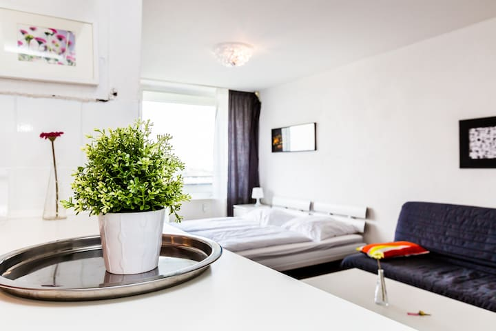 40 Modern Apartment in Cologne Deutz - Cologne - Daire