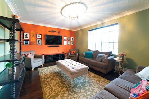 50% off 2+days Cozy Cottage seconds fm Downtown