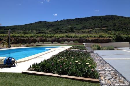 Villa 8 p tout confort avec piscine en saison - Embres-et-Castelmaure