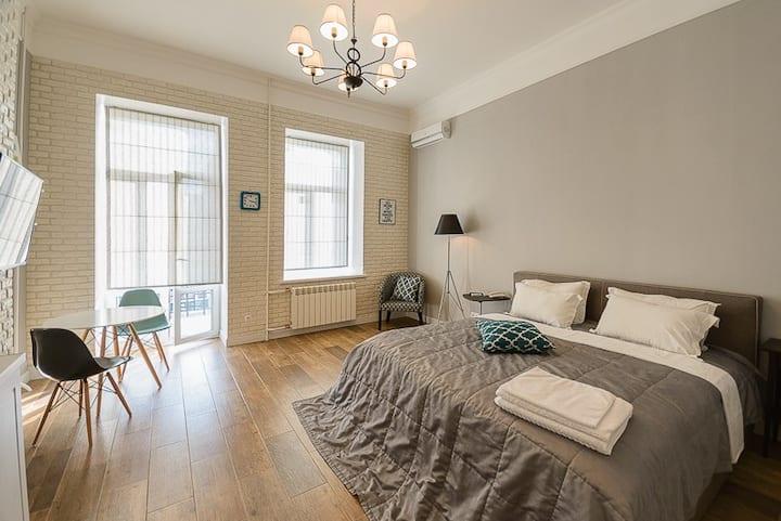 Modern street view studio apartment ID189