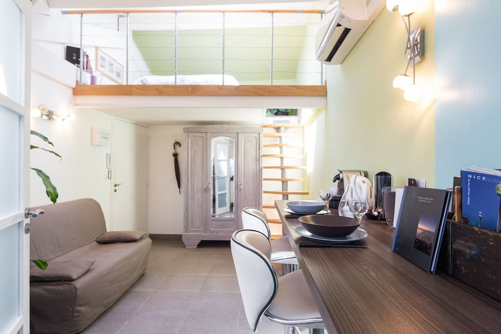 Large Studio Loft Carr 233 D Or Apartments For Rent In