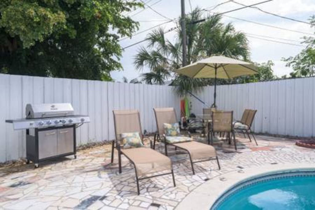 Enjoy BBQ grill. Pool and pool deck was updated Jan 2019' new pics coming soon