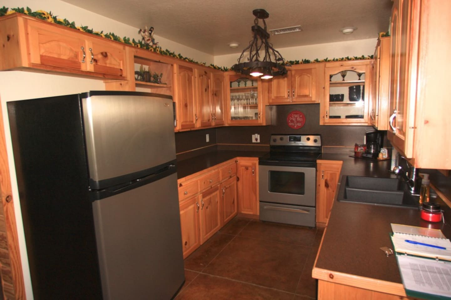 Fully equipped kitchen. All you need to bring is your food!