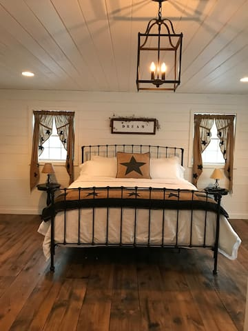 The Ironhorse Inn....Bed and Breakfast