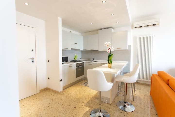 Luxury Seafront view Apartment