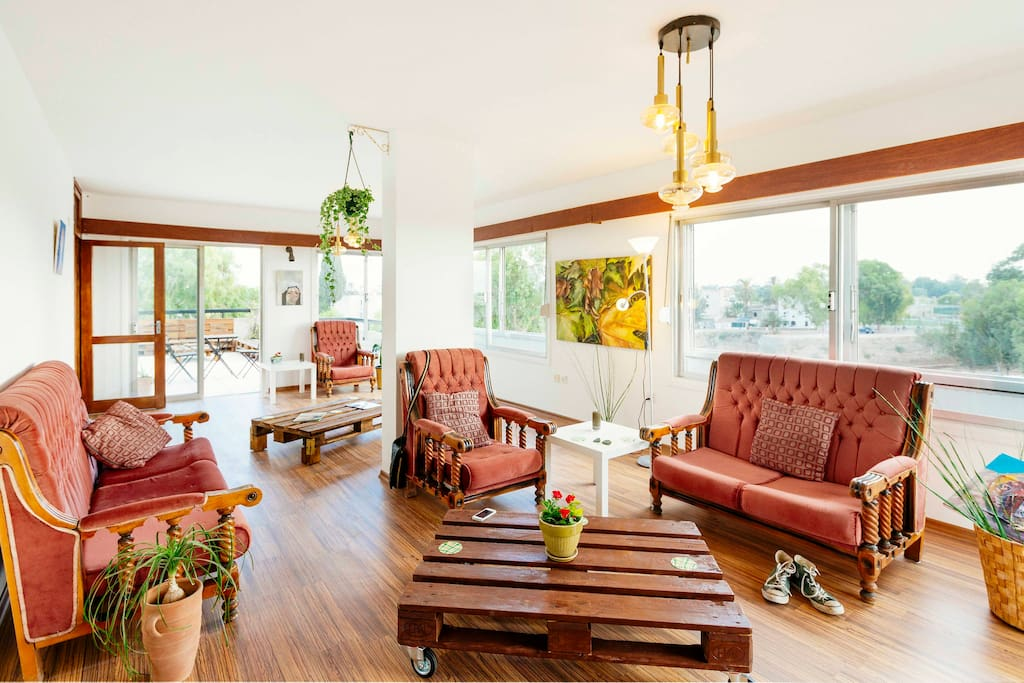 Living room with panoramic view, access to terrace