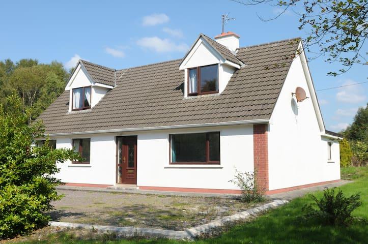 Kerry Family House on Atlantic Way - Sneem - Huis