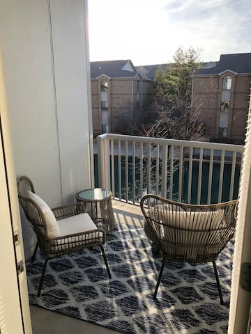 PREMIUM CANAL VIEW 1BR ☆ UPPER CANAL DISTRICT