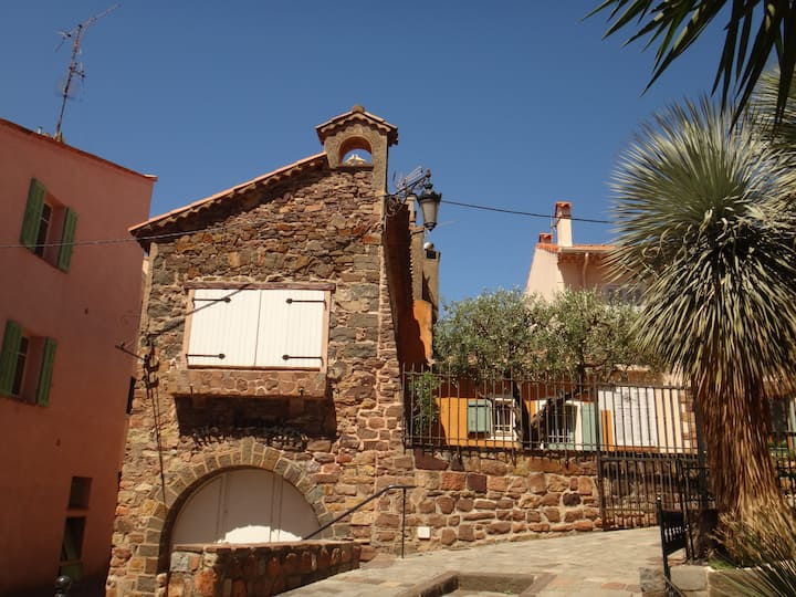 Live in heart of Saint Raphael's historical center