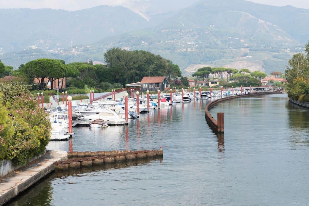 porto canale Cinquale, direzione residence