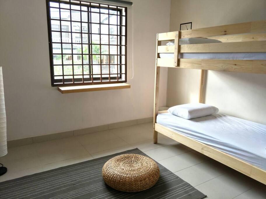 Turmeric Room