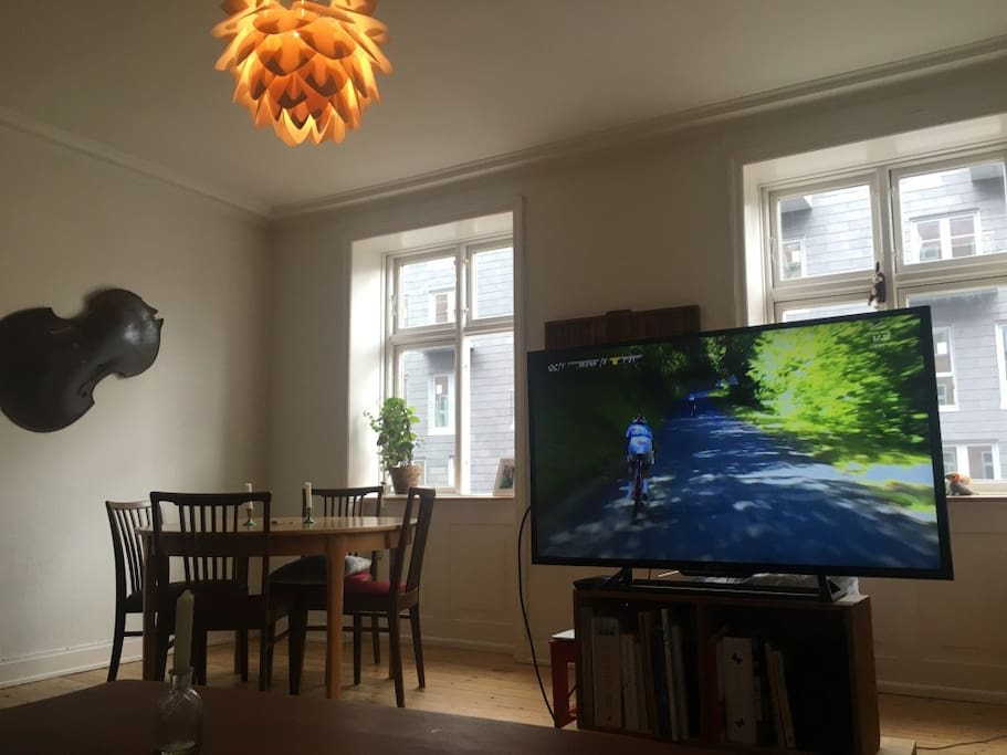 Charming apartment in Copenhagen - you will have free acces to wifi and there is an HDMI-cable to connect to the screen if you bring your computer (no cable tv).