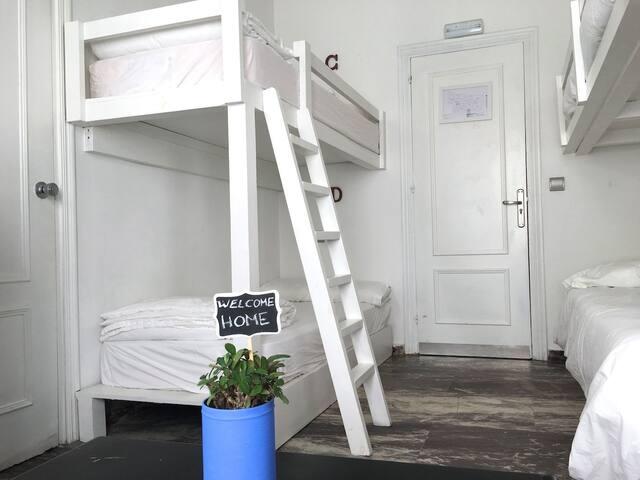 La Cocotera, habitación familiar, baño privado 4A - Tarifa - Haus