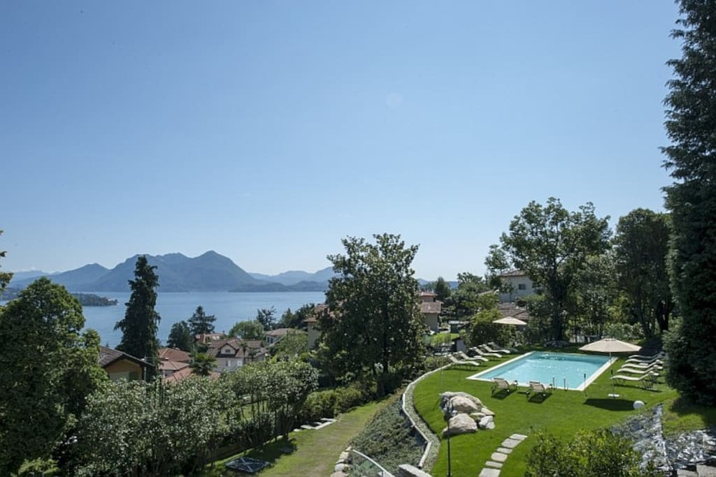 Luxury villa with pool for rent in Baveno with views on Lake Maggiore
