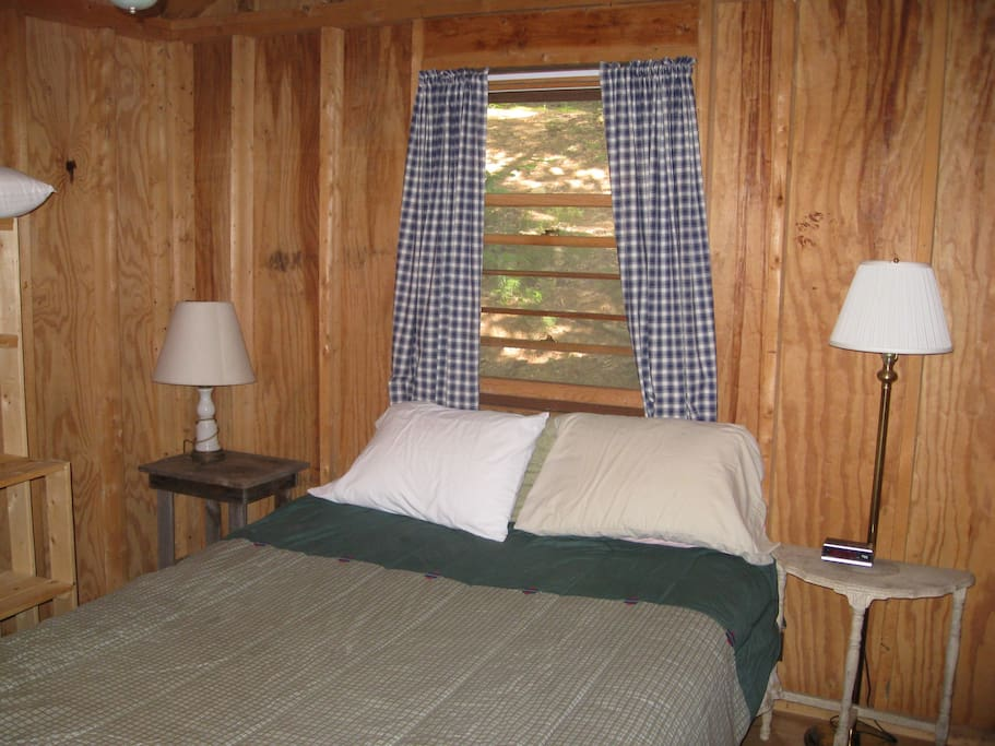Cabin Queen Size Bedroom.