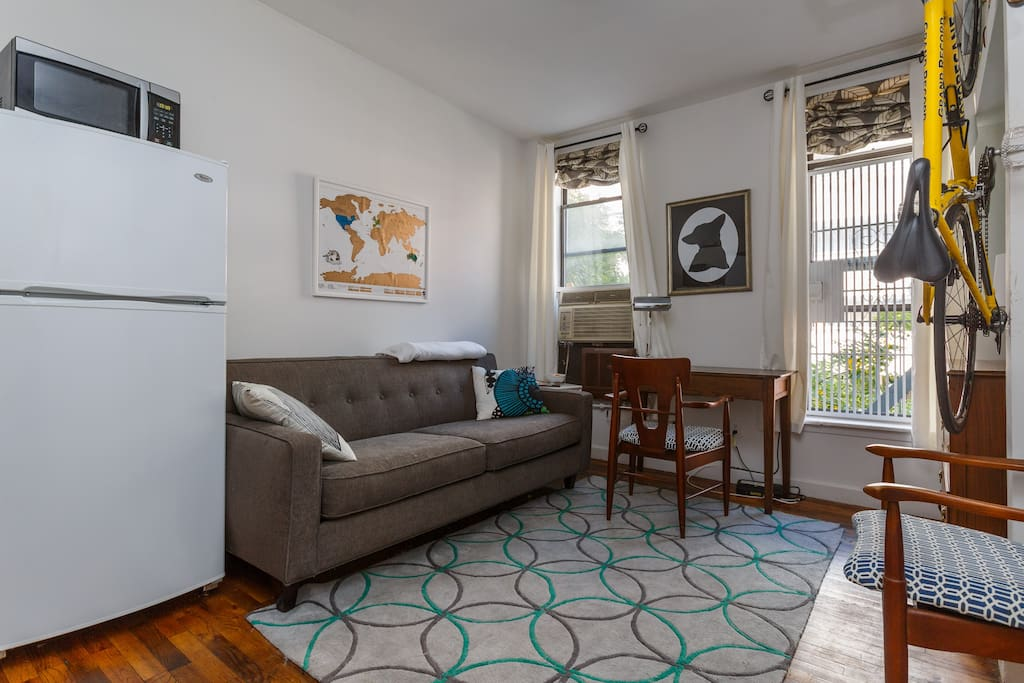 Modern bohemian studio apartments for rent in new york for Studios for rent in nyc