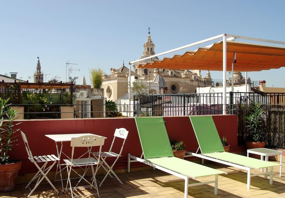 Casa de las siete revueltas apartamentos en alquiler en for Alquiler apartamentos sevilla espana