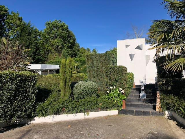 Villa de Autor.