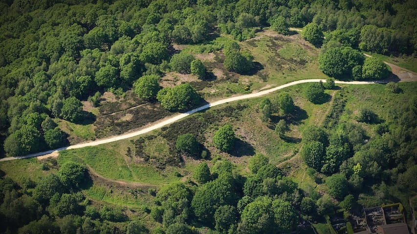 Hilltop panoramic views & Iron Age fort remains just 15 minutes walk away